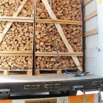 Firewood in crates, Kaminholz, haardhout